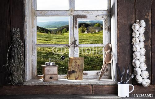 Kuchnia Wiejska Z Widokiem Z Okna