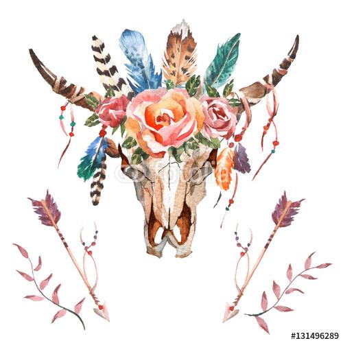 Akwarela głowy na białym tle z kwiatów i piór na białym tle. Styl Boho. Czaszka do pakowania, tapety, t-shirty, tekstylia, plakaty, karty, druki