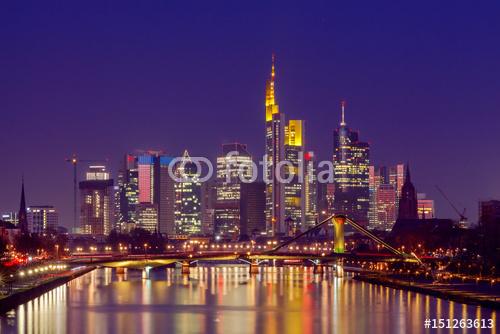 Panorama Frankfurtu Nocą Z Widokiem Na Drapacze Chmur W Centrum Miasta