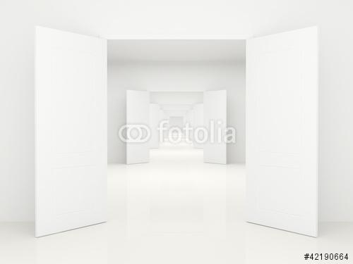 Korytarz Z Otwartymi Drzwiami