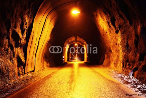 Stara droga tunelu