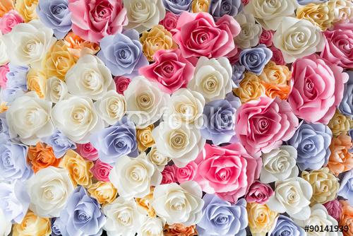 Kolorowe papierowe róże