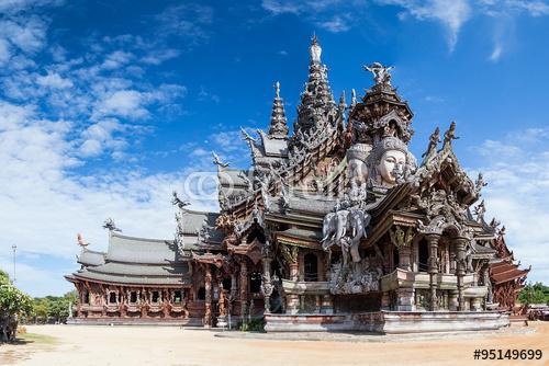 Sanktuarium Prawdy w Pattaya w dzień