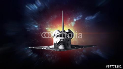 Wahadłowiec startujący z misją. Elementy tego obrazu dostarczone przez NASA