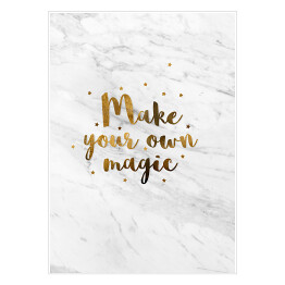 """Make your own magic"" - złota typografia z gwiazdkami na jasnym marmurze"
